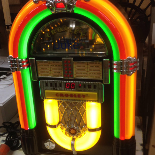 full-size-jukebox-replica-lighted
